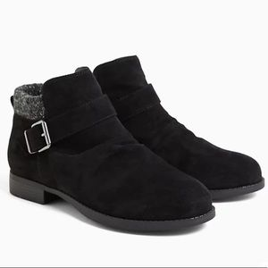 BLACK FAUX SUEDE SWEATER-TRIMMED BUCKLE BOOTIE